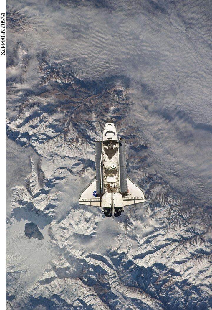 El Transbordador Atlantis sobre los Andes